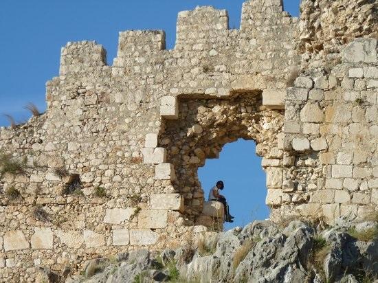 قلعه آناوارزا