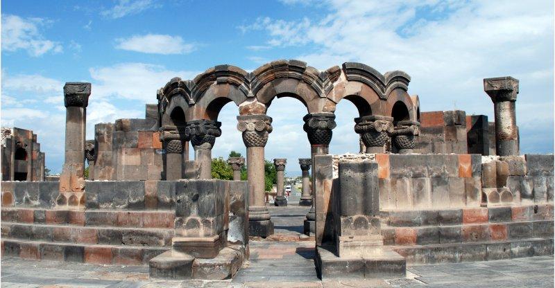 کلیسای جامع زوارتنوتس