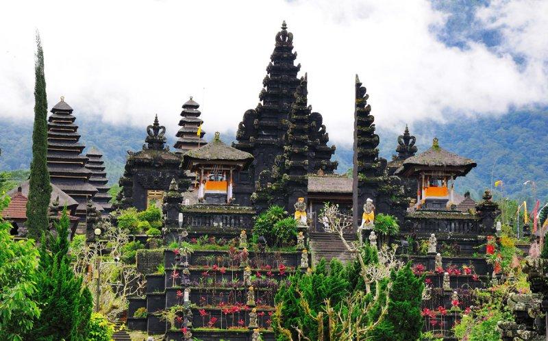 معبد بساکی (مادر)